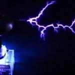 Die verrücktesten Kickstarter 2014 - One Tesla: a DIY Singing Tesla Coil